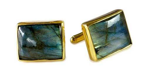 Regnas Custom Jewelry testimonial BG