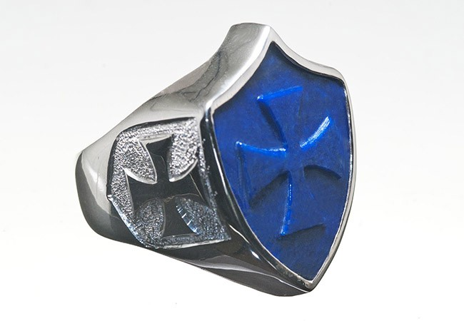 Regnas Shield shape ring designs